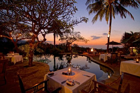 The Damai: Pool Side Dining