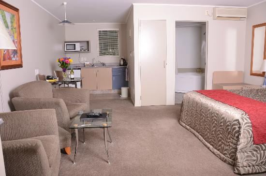 Brougham Heights Motel: Studio unit