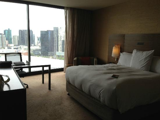 Pan Pacific Melbourne: King Executive Room