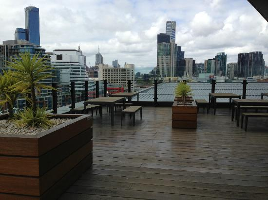 Hilton Melbourne South Wharf: Executive Lounge Deck