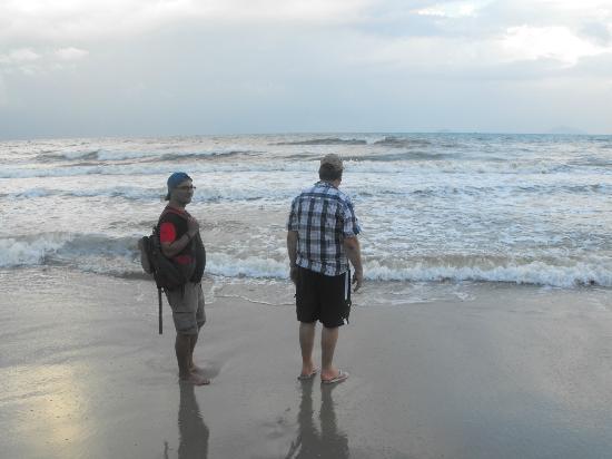 Cua Dai Beach: Fancy a dip!!!