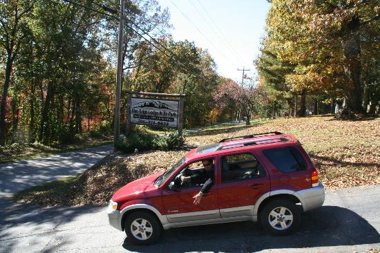 Entrance to Blue Ridge Lodge & RV Park