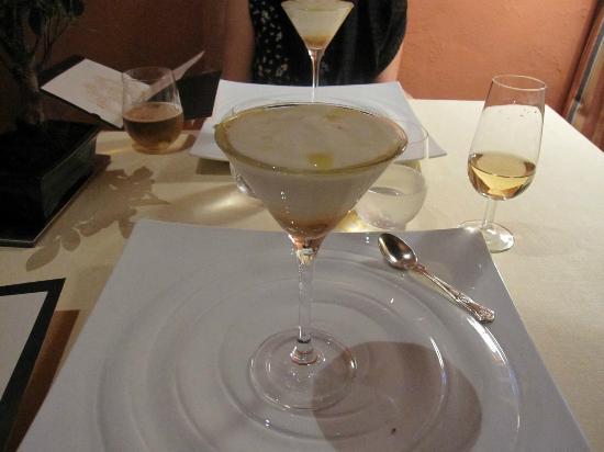 El Bulli Hotel - Hacienda Benazuza: ディナーで出されたスペイン風オムレツ味のスープ