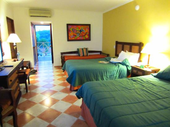 Royal Decameron Beach Resort, Golf & Casino: Our room