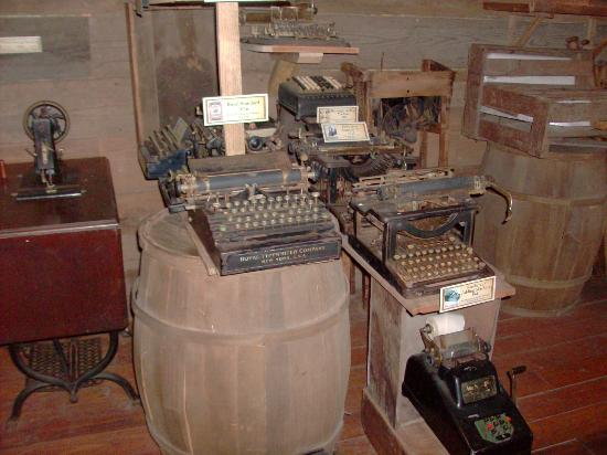 The Oldest Store Museum: Old typewriters, the IPAD of the 1800's. LOL