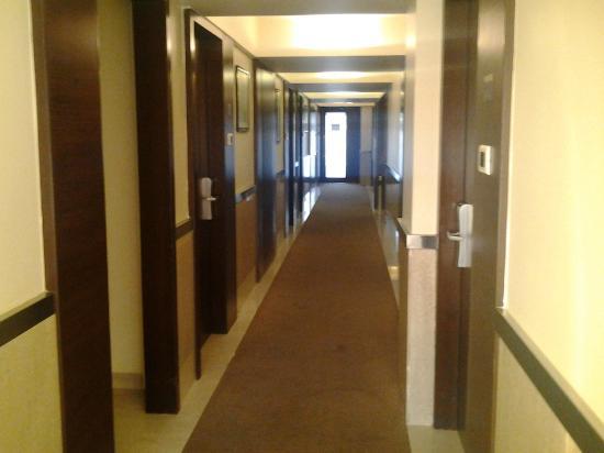 Suba Galaxy: Hotel Rooms Corridor