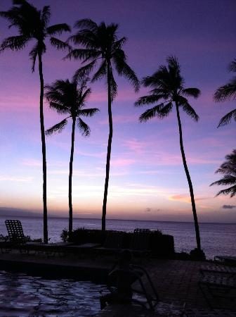 Mahina Surf: the after sunset - sit by the pool every night with a drink and enjoy