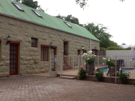 88 Baron van Reede Guesthouse: poolside