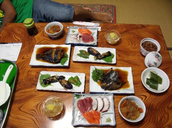 Onsen Minshuku Narumi : 家庭的な料理がたくさん