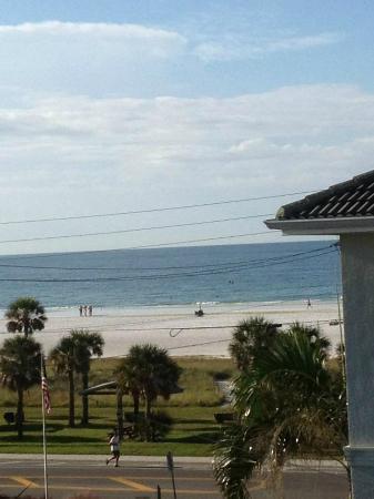 Gumbo Limbo Vacation Rentals Inc.: View from loft bedroom balcony