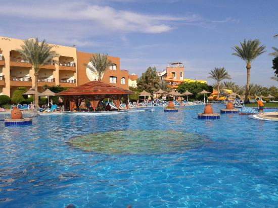Nubian Village Hotel: pool (closest to the main building)