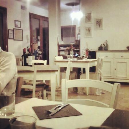 Agriturismo Ai Carpini: Dining area in agriturismo