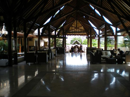 Manava Beach Resort & Spa - Moorea: lobby