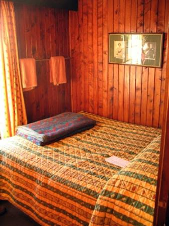 Treetops Lodge: queens room