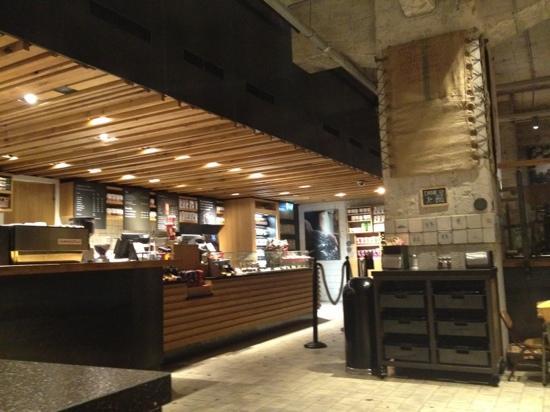 Le Foto Del Nuovo Starbuks Ad Amsterdam : Starbucks amsterdam utrechtsestraat grachtengordel