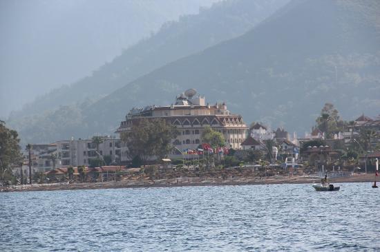 Fortuna Beach Hotel: Вид с Моря