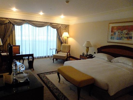 Grand Hyatt Dubai: room