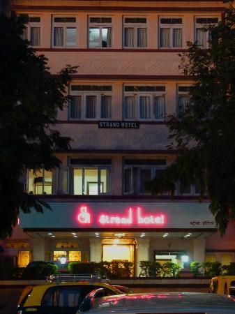 Strand Hotel: hôtel au coucher du soleil