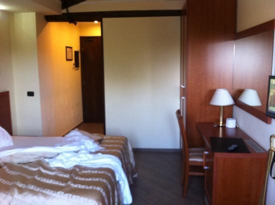 Hotel Roma Tiburtina: camera