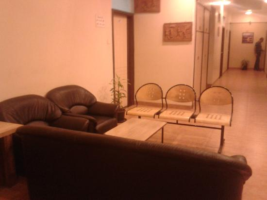 Hotel Rajmahal: Reception area