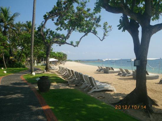 The Laguna, a Luxury Collection Resort & Spa: The Laguna,Nusa Dua - beach