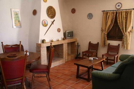 El Molino de Fuencaliente: Casas Cueva con chimenea