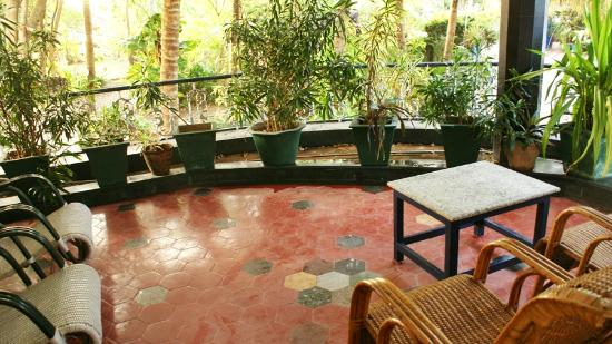 SB Regency: Garden Balcony