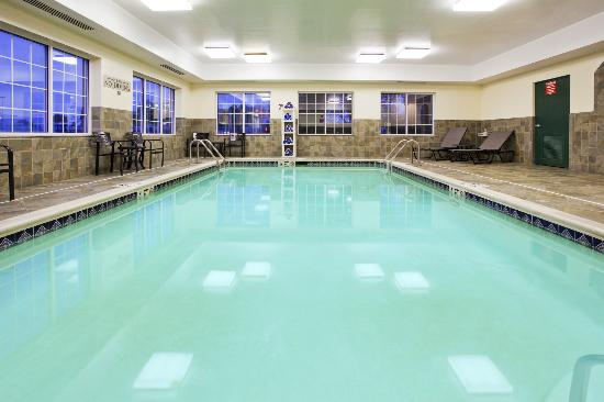 Country Inn & Suites By Carlson, Hagerstown : Indoor Heated Pool