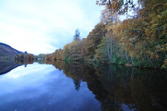 Glengarry Castle Hotel: Loch Oich