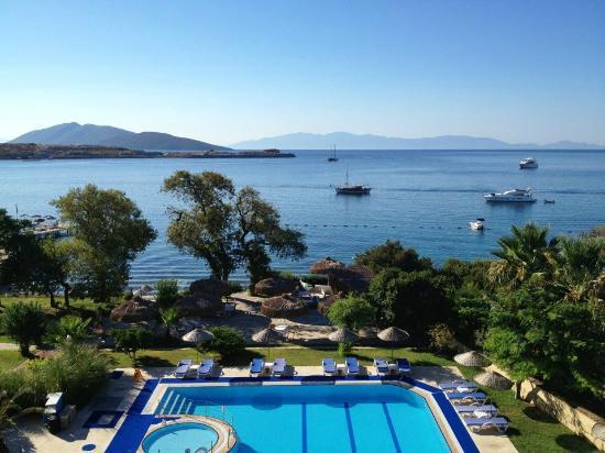 Gundem Resort Hotel: Vue de la terrasse du restaurant