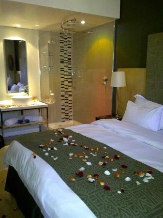 Protea Hotel Bloemfontein Willow Lake: Romantic setting!