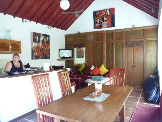 Dyana Villas: Living area...