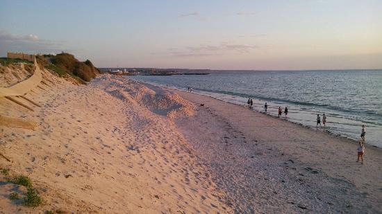 Adelaide Shores Caravan Park: West Beach