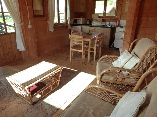 Waterloo Farm Leisure Bed and Breakfast: Log Cabin Lounge