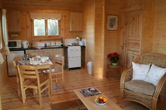 Waterloo Farm Leisure Bed and Breakfast: Log Cabin Din ing Area