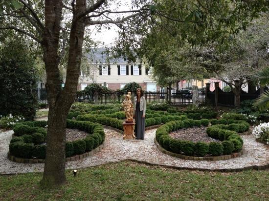 Joseph Aiken Mansion Carriage House: garden 
