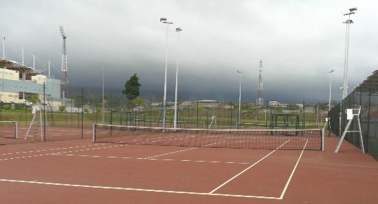 Hotel de Federaciones Malabo: Canchas de Tenis