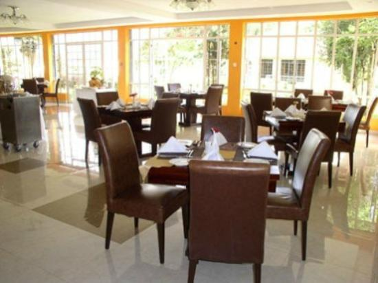 Falcon Heights Hotel: Fine Dining (Main) Restaurant