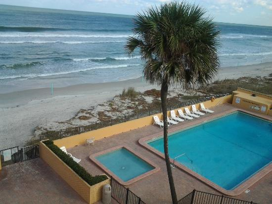 Quality Inn & Suites On The Beach: overlooking the pool and ocean on the 4th floor.