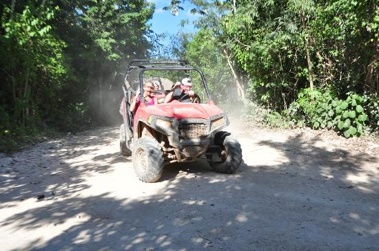 Selvatica Canopy Expedition and Adventure Tour: Corna rally adventure
