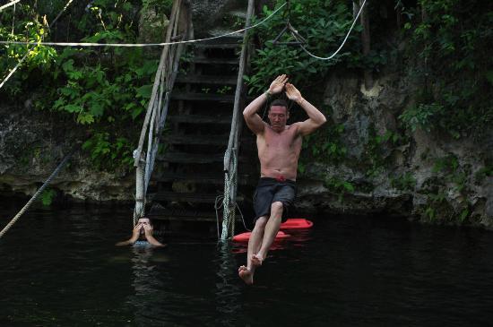 Selvatica: Zipline into cenote