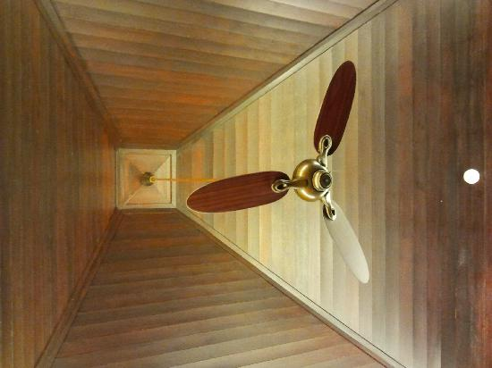 Gaya Island Resort: High ceiling fan