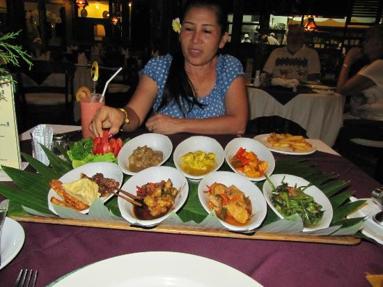 Tamukami Hotel: Indonesische Reistafel