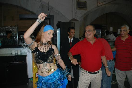 Flamboyante : A fab farewell party at Flam with bellydancing