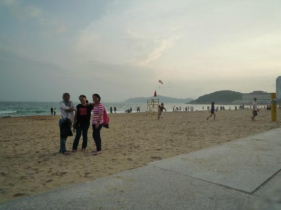 Haeundae Beach: Afternoon walk at the beach ^^
