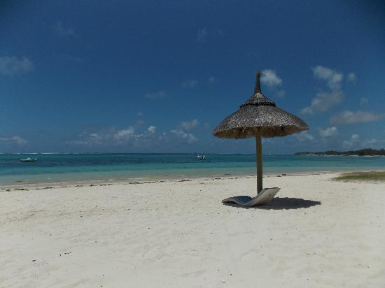 Emeraude Beach Attitude: PLAGE DE L'HOTEL ET OUI CE SONT LES VRAIS COULEURS SANS RETOUCHE
