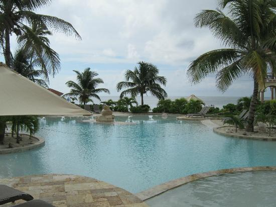 Coco Beach Resort: Pool