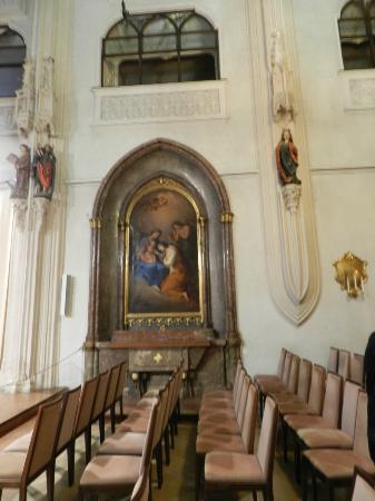 Die Burgkapelle: side view of chapel
