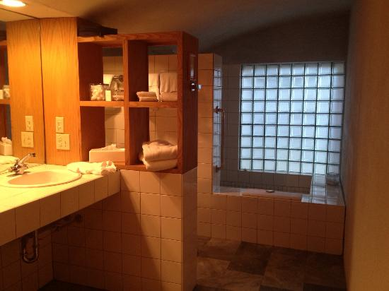 Inn at Middleton Place: Bathroom