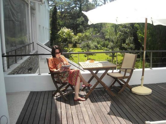 Awa Boutique and Design Hotel: Eu bem relaxada, lendo uma revista..